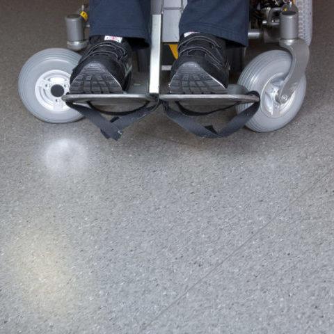 voete op rolstoel